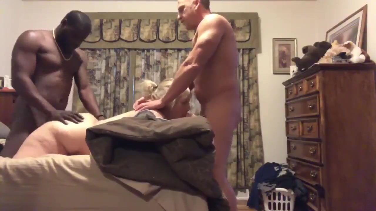 Amateur Wife Sharing Big Dick